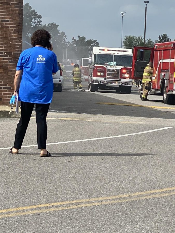 The+Fire+Department+responded+to+a+small+fire+at+Graves+County+High+School+Wednesday+morning.