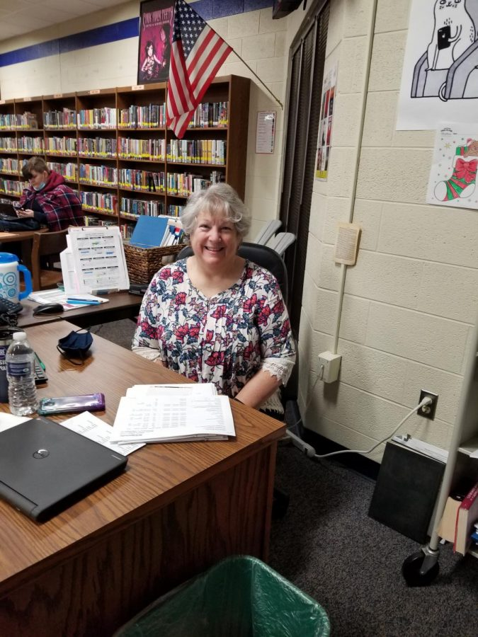 GCHS Librarian Mrs. Lynda Hiles to retire after 21 years