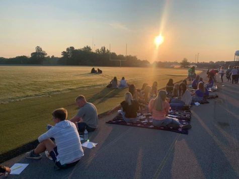 GCHS Seniors enjoy a moment of fellowship before their first day of school.