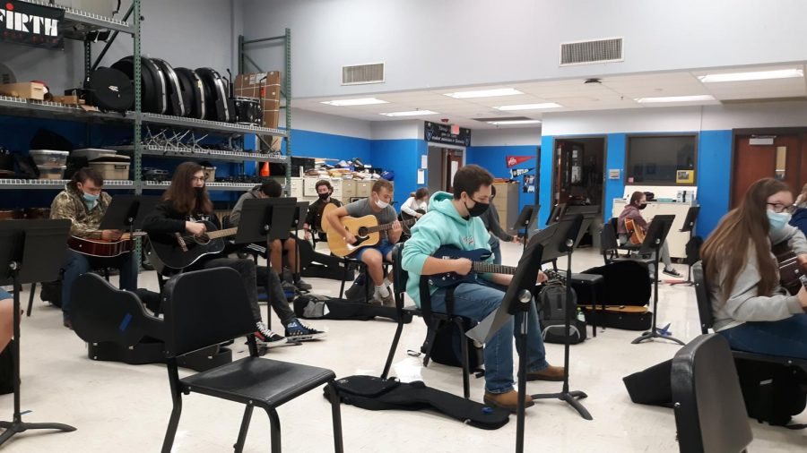 GCHS+students+are+strumming+into+the+school+year